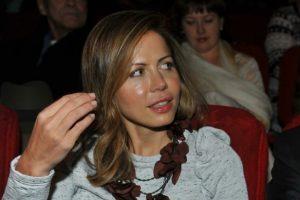 Полина Дерипаска Родилась в обыкновенной семье, училась прилежно и с удовольствием
